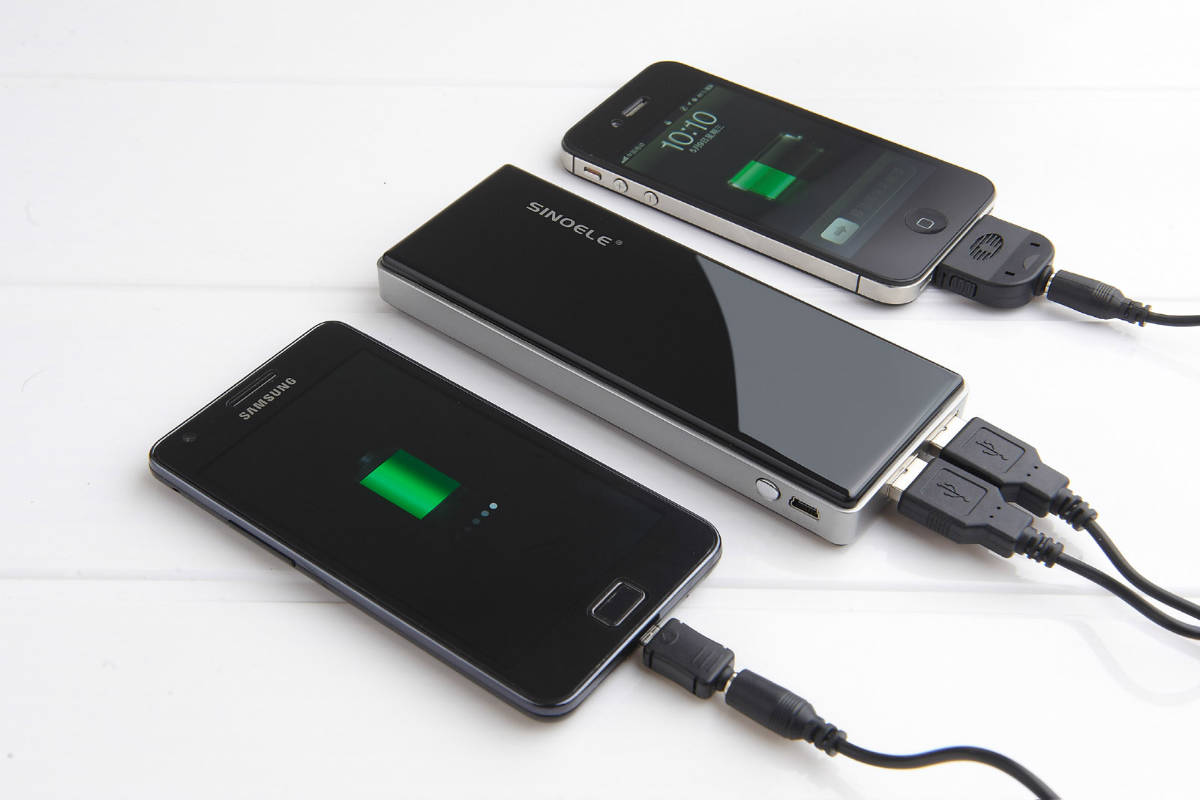 Innovative-Aluminum-Battery-can-Charge-up-a-Smartphone-in-a-Minute