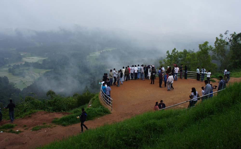 © blog.travelogyindia