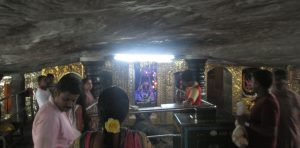 inside-gavi-gangadhareshwara-temple-bangalore