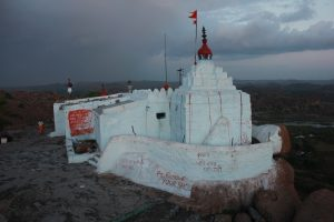 anjanadevi-and-hanuman-temple