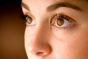 eye_diseases_and_cond_s1_woman_healthy_eyes
